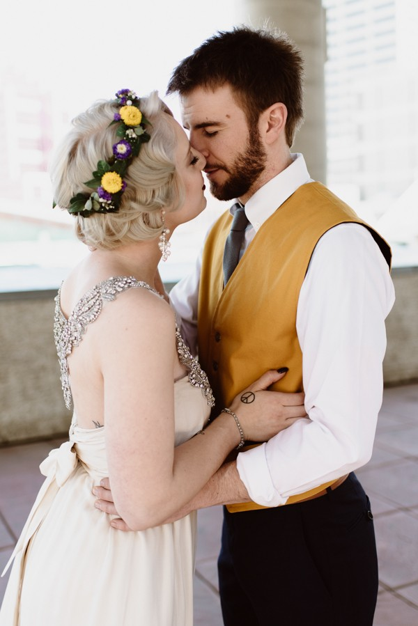 casual-glam-edmonton-wedding-at-red-strap-market-32