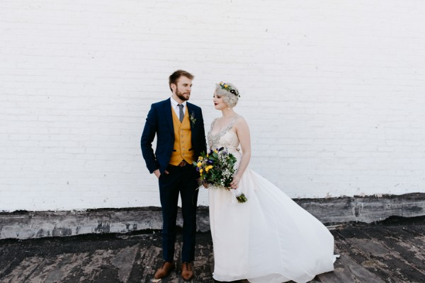 casual-glam-edmonton-wedding-at-red-strap-market-8