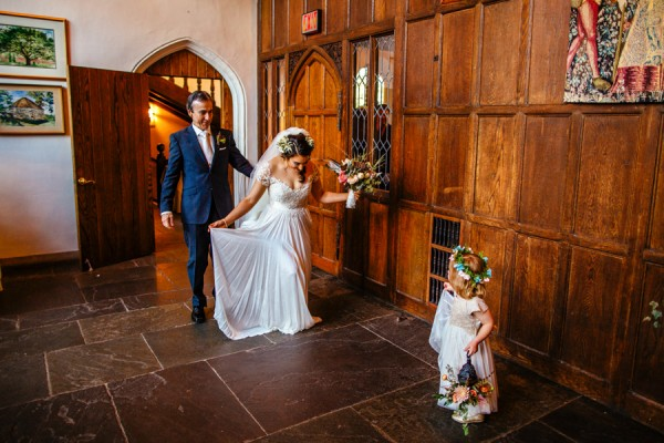 cerulean-and-dusty-peach-pennsylvania-wedding-at-aldie-mansion-9
