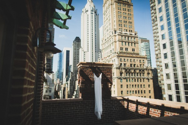 dazzling-queens-wedding-at-the-metropolitan-building-1