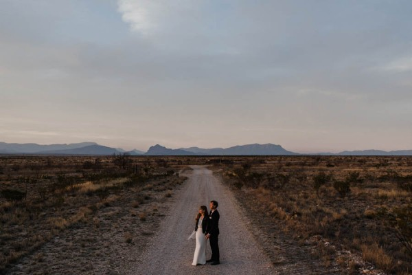 eclectic-west-texas-destination-wedding-at-the-marathon-motel-23