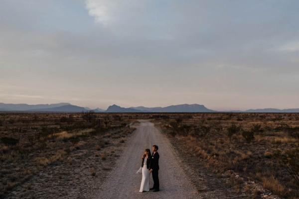 eclectic-west-texas-destination-wedding-at-the-marathon-motel-23