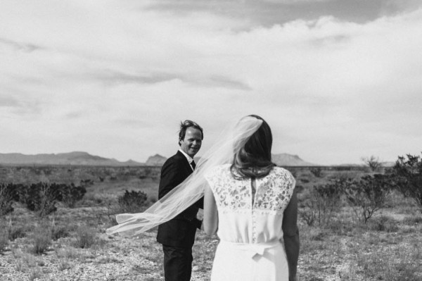 eclectic-west-texas-destination-wedding-at-the-marathon-motel-41