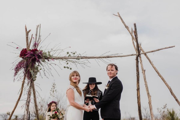 eclectic-west-texas-destination-wedding-at-the-marathon-motel-6