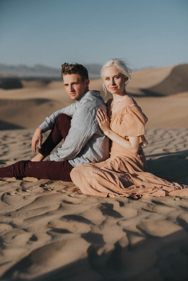 Ethereal Imperial Sand Dunes Engagement Photos | Junebug Weddings