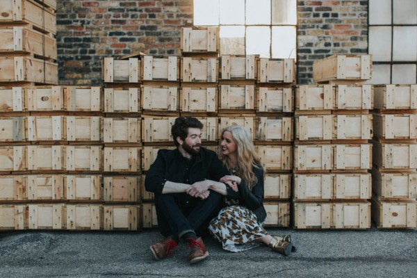 just-try-not-to-smile-at-this-adorable-milwaukee-engagement-10