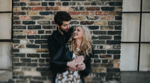just-try-not-to-smile-at-this-adorable-milwaukee-engagement-13
