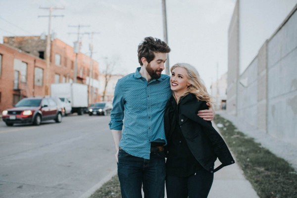 just-try-not-to-smile-at-this-adorable-milwaukee-engagement-20