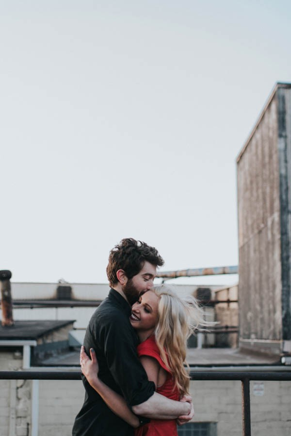 just-try-not-to-smile-at-this-adorable-milwaukee-engagement-22