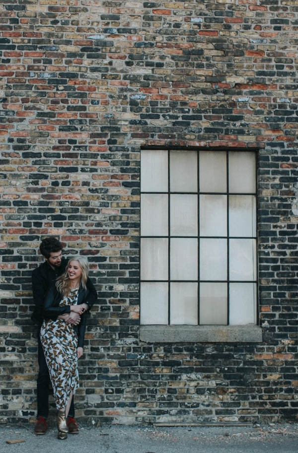 just-try-not-to-smile-at-this-adorable-milwaukee-engagement-8