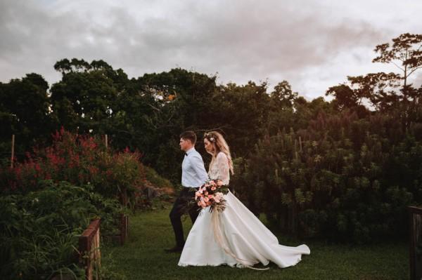 lush-bohemian-australian-wedding-at-maleny-retreat-1-2
