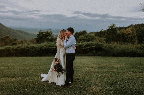 lush-bohemian-australian-wedding-at-maleny-retreat-1