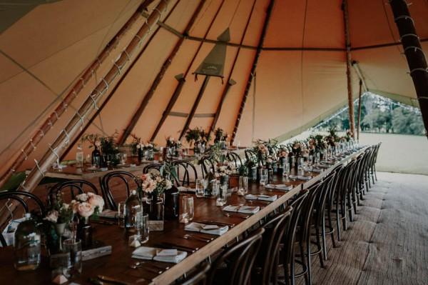 lush-bohemian-australian-wedding-at-maleny-retreat-12