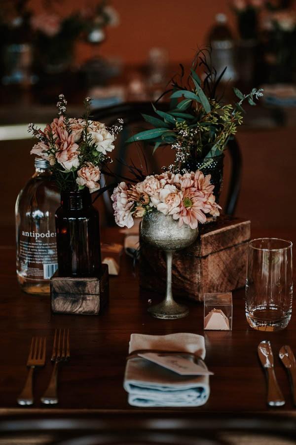 lush-bohemian-australian-wedding-at-maleny-retreat-13