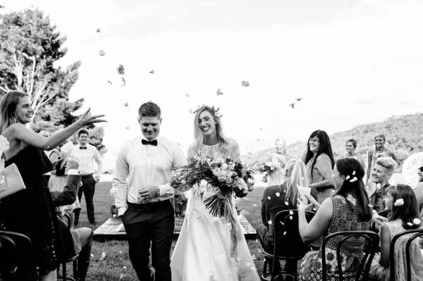 lush-bohemian-australian-wedding-at-maleny-retreat-23