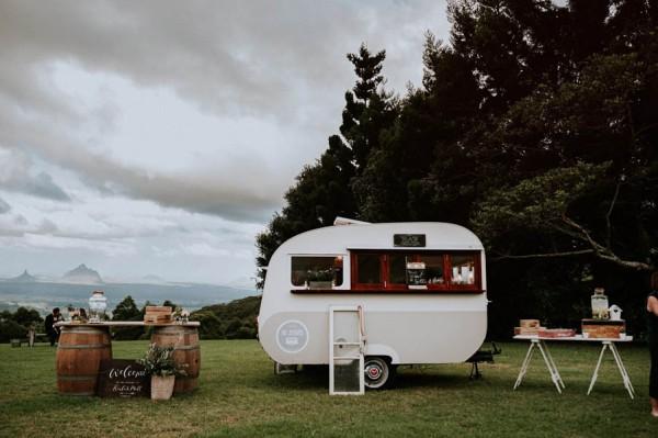 lush-bohemian-australian-wedding-at-maleny-retreat-25
