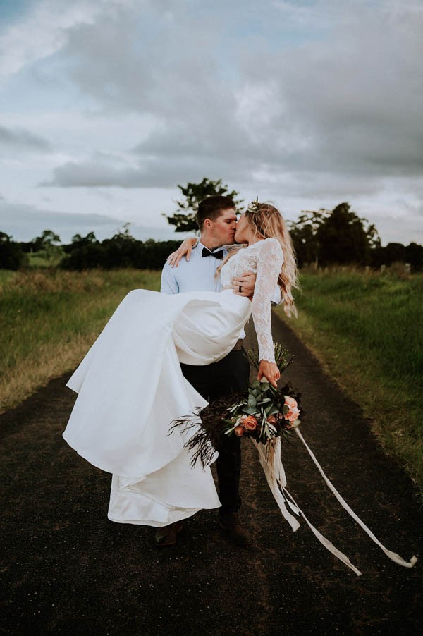 lush-bohemian-australian-wedding-at-maleny-retreat-28
