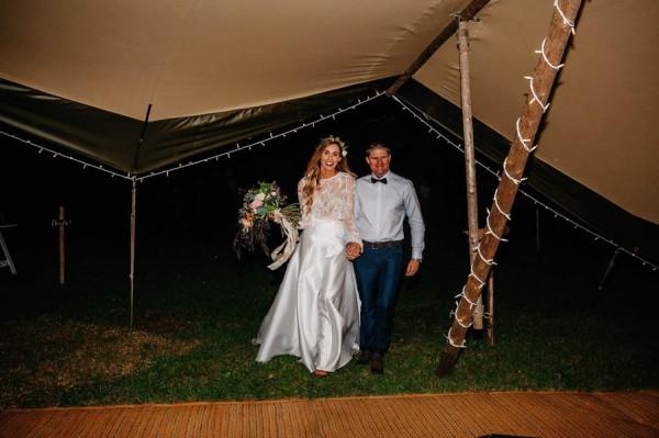 lush-bohemian-australian-wedding-at-maleny-retreat-33