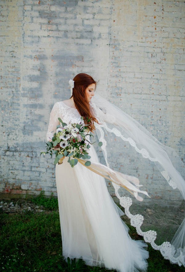 organic-industrial-louisiana-wedding-at-aubrey-hall-10