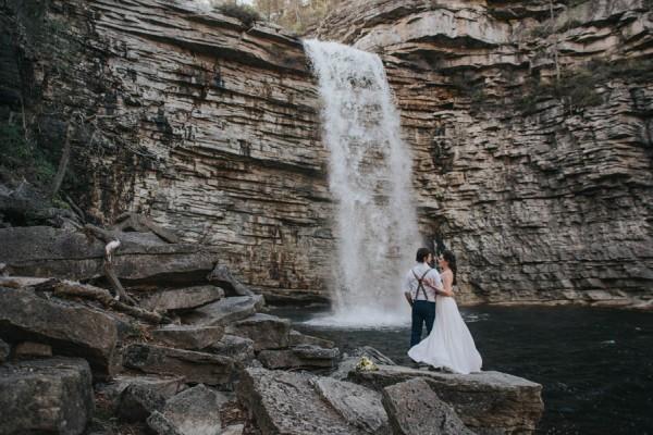 surprise-cliffside-elopement-in-upstate-new-york-12