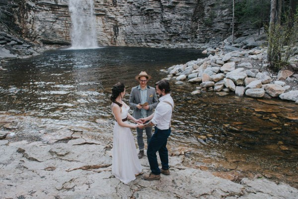 surprise-cliffside-elopement-in-upstate-new-york-14