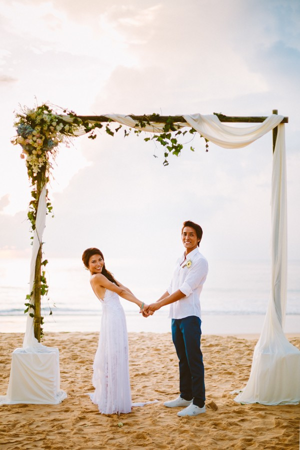 the-sunset-ceremony-in-this-aleenta-resort-wedding-is-what-dreams-are-made-of-18