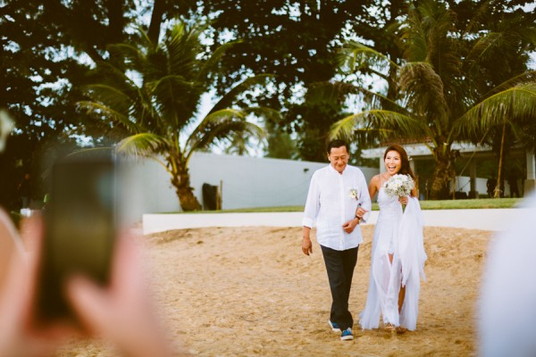 the-sunset-ceremony-in-this-aleenta-resort-wedding-is-what-dreams-are-made-of-7