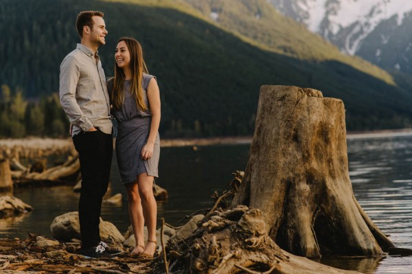 the-views-are-unreal-in-this-breathtaking-bridal-veil-falls-engagement-shoot-9