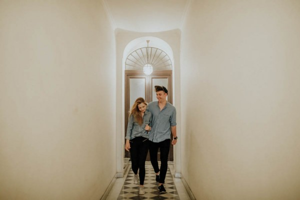these-two-cuddled-all-the-way-through-their-rome-engagement-session-8