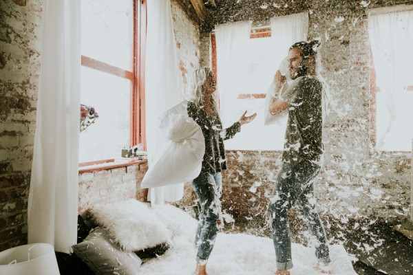 this-couples-pillow-fight-photo-shoot-is-fun-flirty-and-full-of-feathers-32