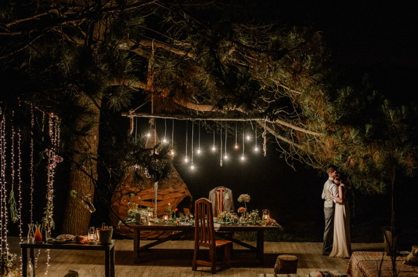 this-dinner-for-two-at-areias-do-seixo-was-the-sweetest-elopement-under-the-stars-32