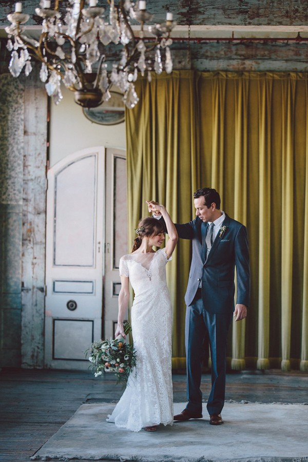 this-dreamy-wedding-at-the-metropolitan-building-is-filled-with-romantic-eye-candy-11