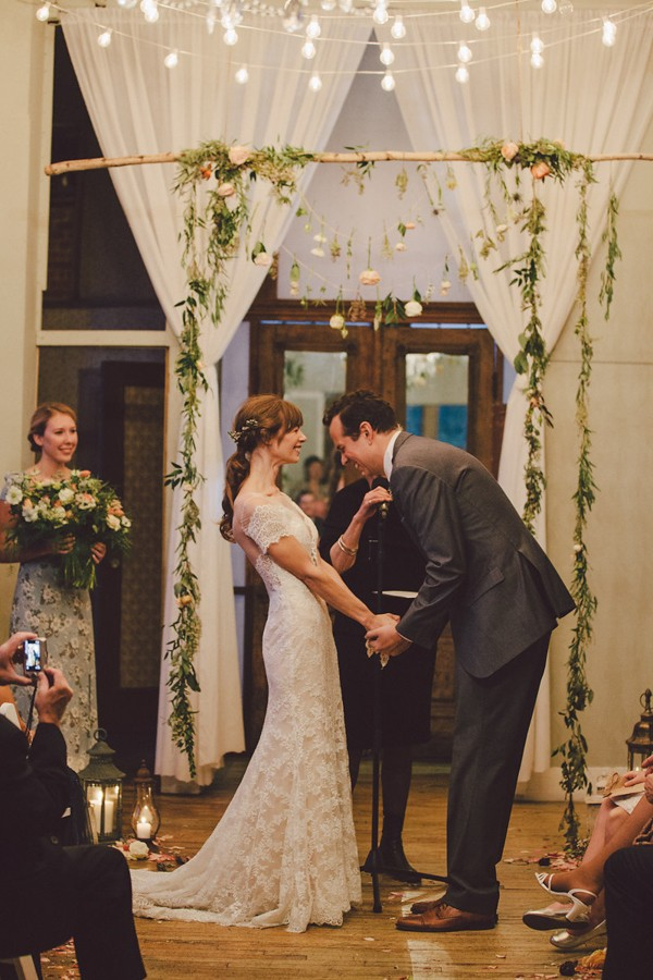 this-dreamy-wedding-at-the-metropolitan-building-is-filled-with-romantic-eye-candy-37