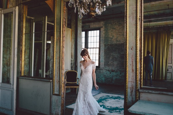 this-dreamy-wedding-at-the-metropolitan-building-is-filled-with-romantic-eye-candy-4