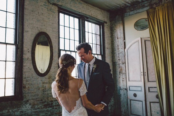 this-dreamy-wedding-at-the-metropolitan-building-is-filled-with-romantic-eye-candy-6