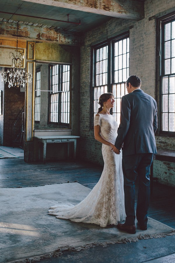 this-dreamy-wedding-at-the-metropolitan-building-is-filled-with-romantic-eye-candy-7