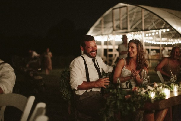 this-farm-wedding-in-kansas-city-has-the-perfect-touch-of-sparkle-29