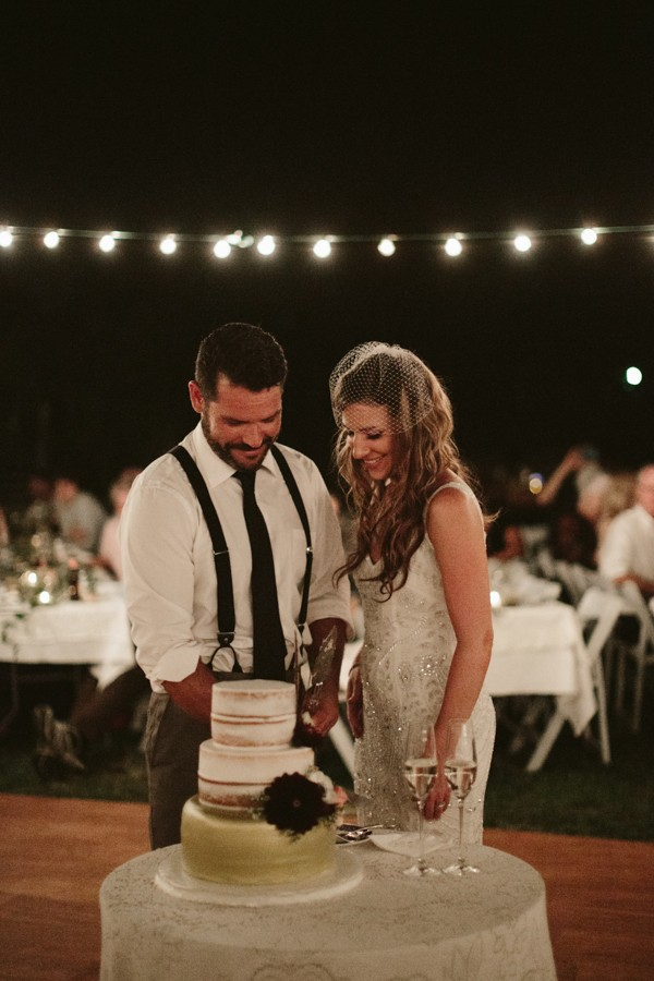 this-farm-wedding-in-kansas-city-has-the-perfect-touch-of-sparkle-30