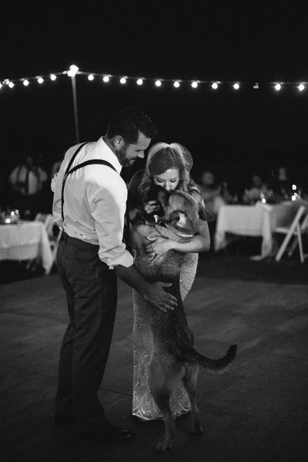 this-farm-wedding-in-kansas-city-has-the-perfect-touch-of-sparkle-31
