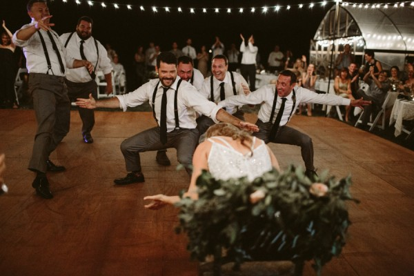 this-farm-wedding-in-kansas-city-has-the-perfect-touch-of-sparkle-34