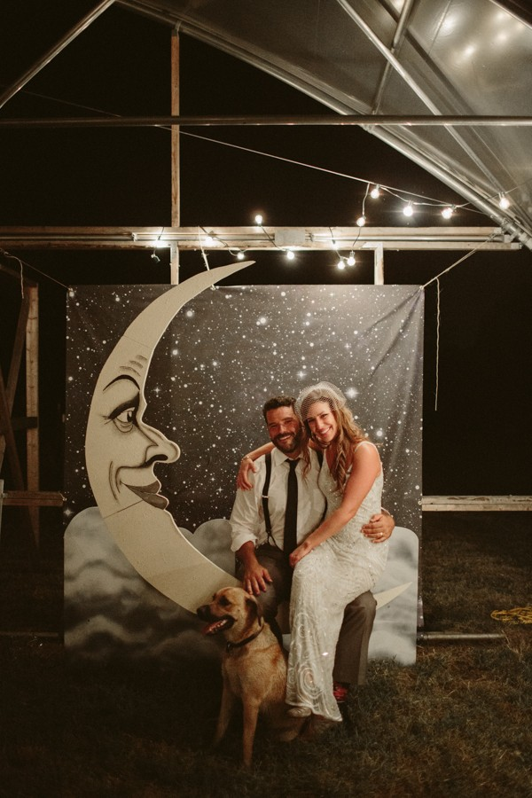 this-farm-wedding-in-kansas-city-has-the-perfect-touch-of-sparkle-37