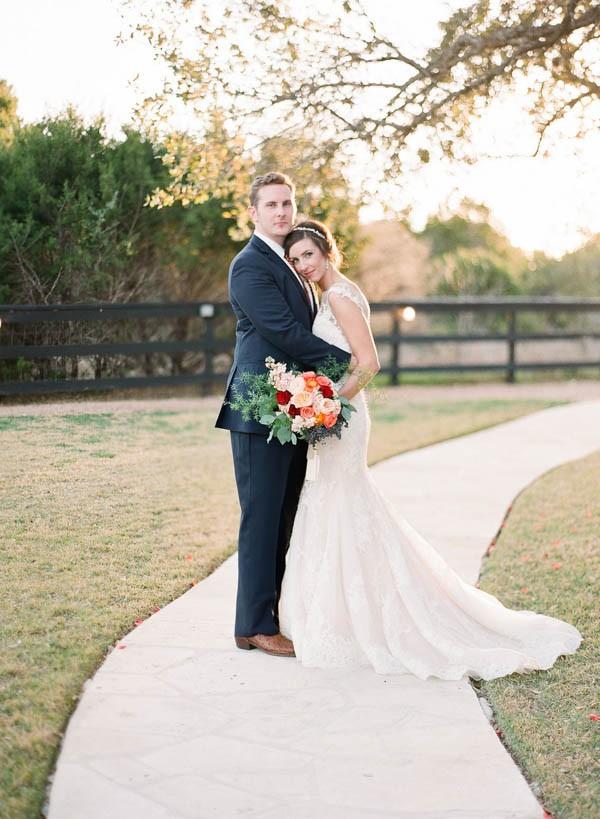 vintage-jewel-tone-austin-wedding-at-antebellum-oaks-28