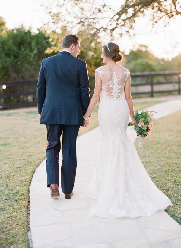 vintage-jewel-tone-austin-wedding-at-antebellum-oaks-29