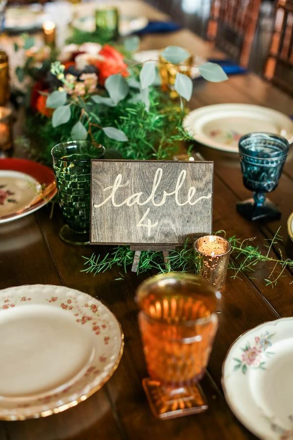 vintage-jewel-tone-austin-wedding-at-antebellum-oaks-5