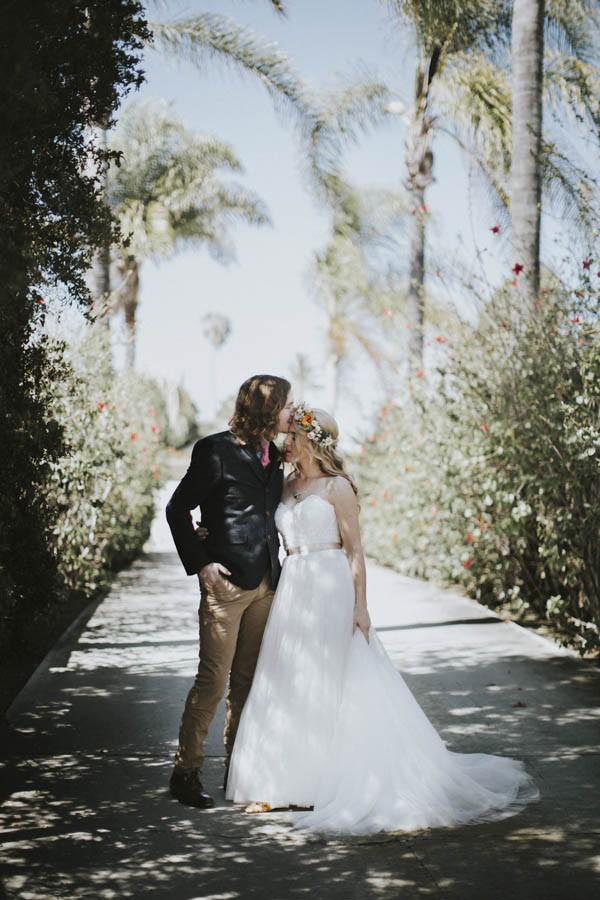 whimsical-bohemian-wedding-at-the-slate-barn-and-gardens-15
