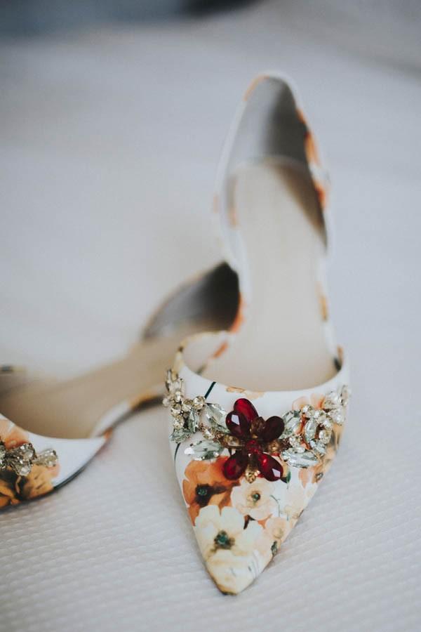 whimsical-bohemian-wedding-at-the-slate-barn-and-gardens-3
