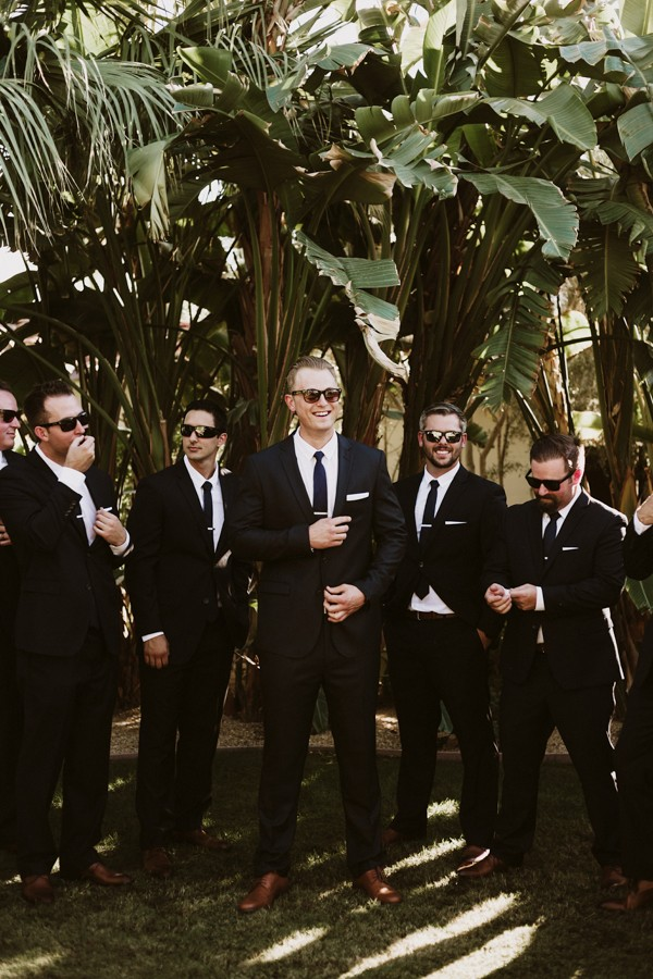 chic-palm-springs-destination-wedding-at-colony-palms-hotel-20
