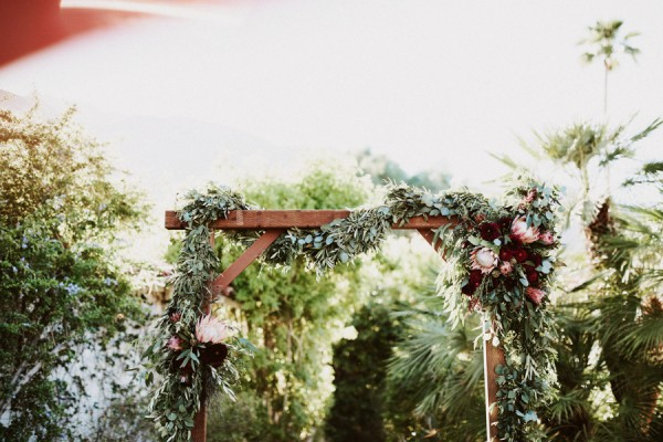 chic-palm-springs-destination-wedding-at-colony-palms-hotel-24