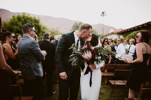 chic-palm-springs-destination-wedding-at-colony-palms-hotel-33