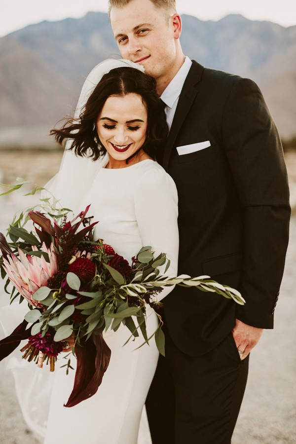chic-palm-springs-destination-wedding-at-colony-palms-hotel-38